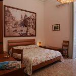 bed and breakfast catania picone bb camera tripla piazza duomo 01